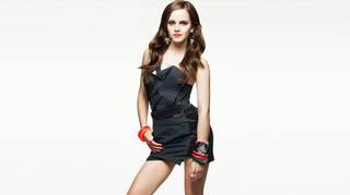Emma Watson in einem Kleid.